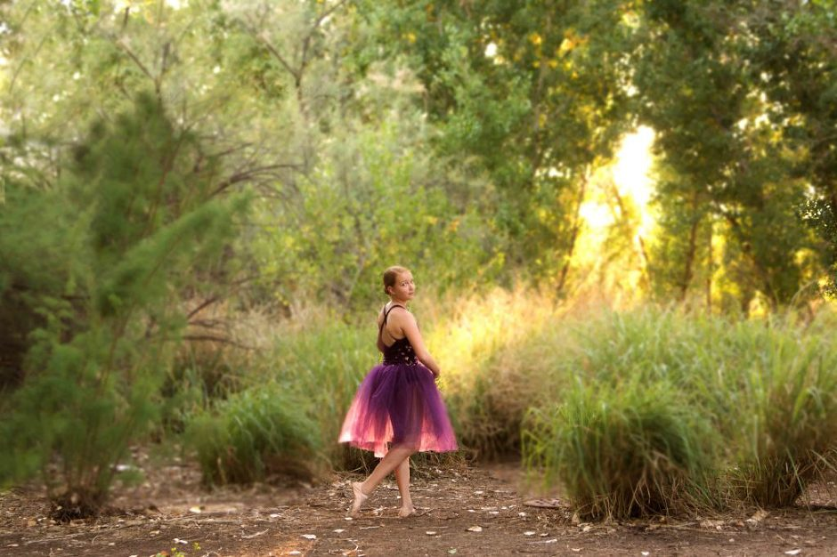 Ballerina photographed by Jubilee Family Photography in Gilbert, AZ.